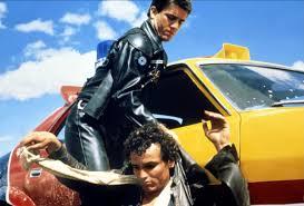 【ネタバレ】『マッドマックス』感想・解説・評価|車を役者に変えた撮影と編集